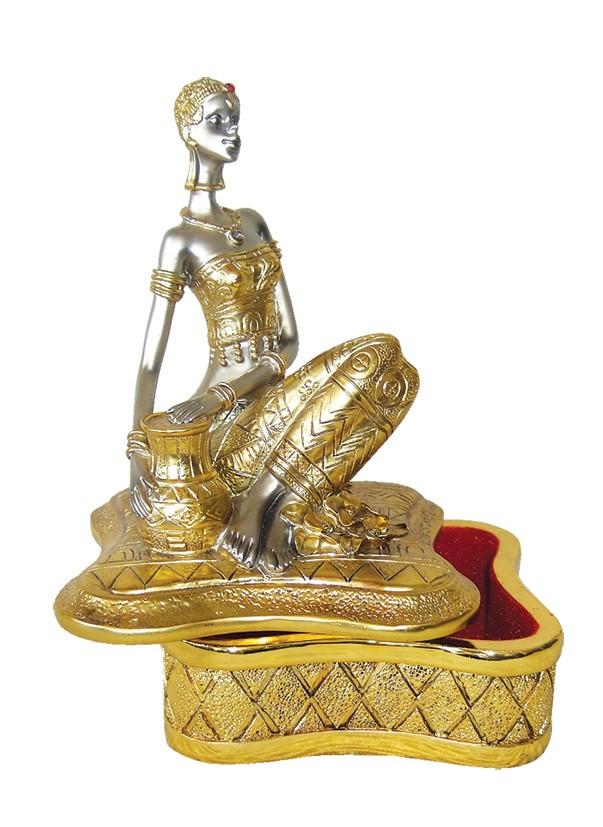 Κλασσική χρυσή μπιζουτιέρα, με φιγούρα γυναίκας στο πάνω μέρος.